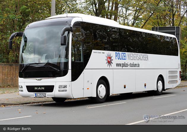 OL-PA 943 - MAN Lion's Coach - Bus