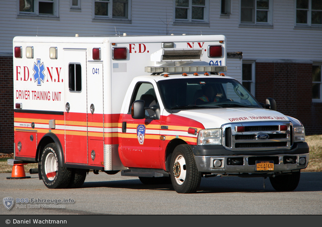 FDNY - EMS - Driver Training Unit 041 - Fahrschul-RTW