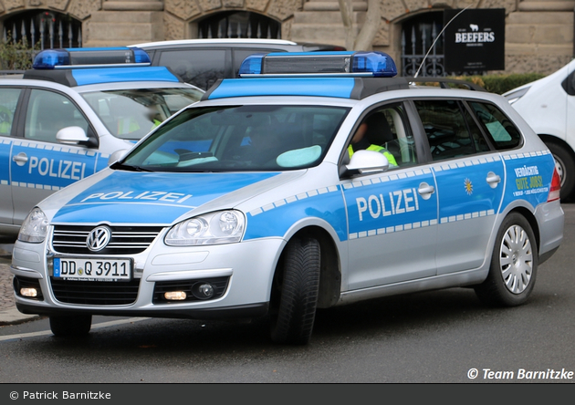 DD-Q 3911 - VW Golf Variant - FuStW