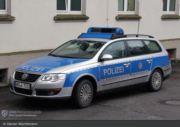 NRW4-7313 - VW Passat Variant - FuStW