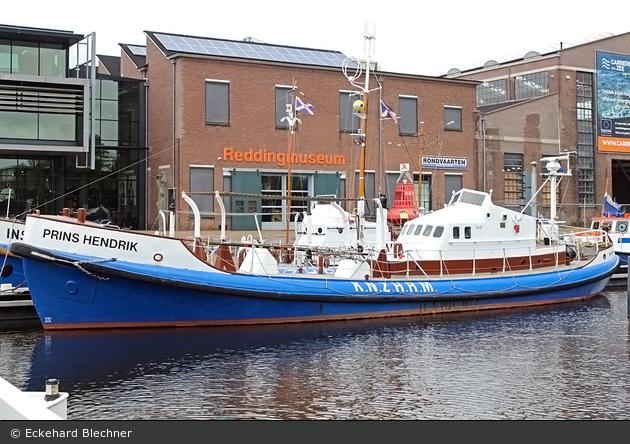 """Den Helder - Noord- en Zuid-Hollandsche Redding-Maatschappij - Seenotrettungsboot """"PRINS HENDRIK"""" (a.D.)"""