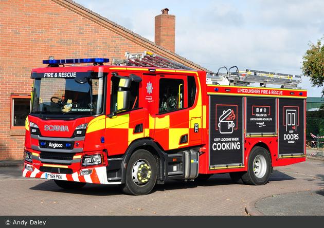 Brant Broughton - Lincolnshire Fire & Rescue - WrL/R
