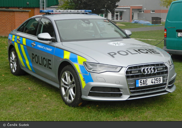 Praha - Policie - 5AE 4259 - FuStW