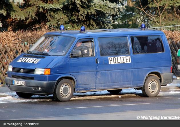 B-AZ 1098 - VW T4 - BeDoKW