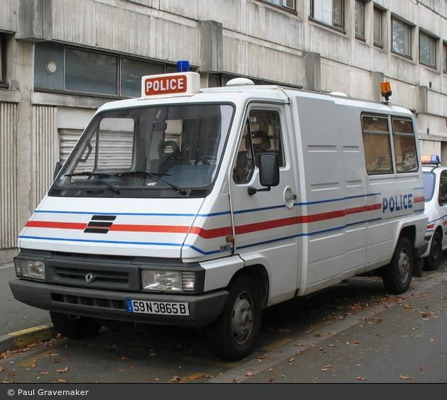 Einsatzfahrzeug lille police nationale grukw bos for Police nationale lille
