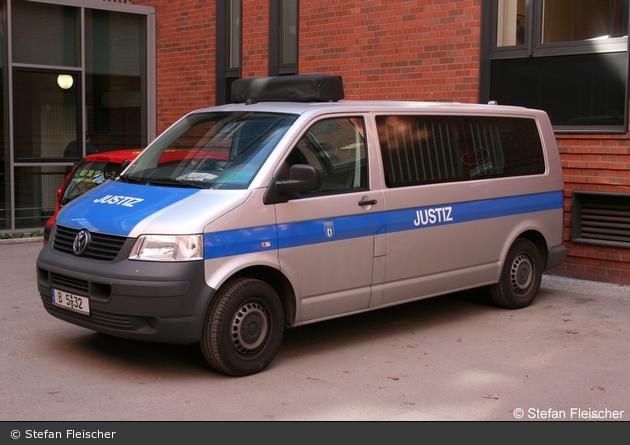 B5-32 - VW T5 - GefKW Justiz