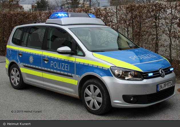 IN-PP 9724 - VW Touran - FuStW