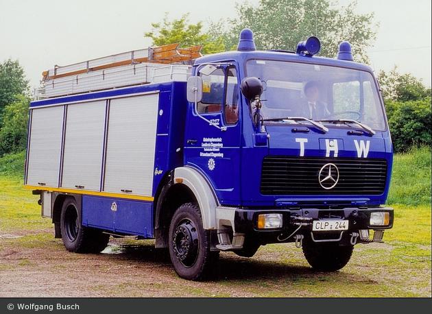 einsatzfahrzeug heros cloppenburg 57 56 a d bos fahrzeuge einsatzfahrzeuge und wachen. Black Bedroom Furniture Sets. Home Design Ideas
