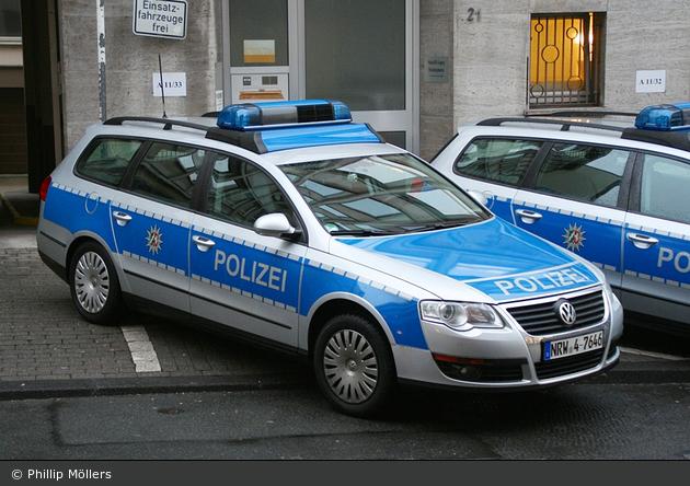 NRW4-7646 - VW Passat Variant - FuStW