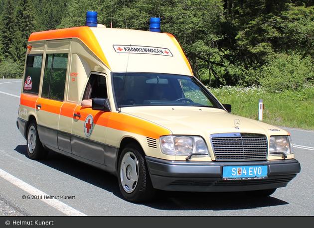 Salzburg - ÖRK - KTW - 08.206 (a.D.)