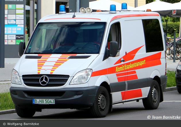 Alomit Krankentransport - KTW (B-HA 5043)
