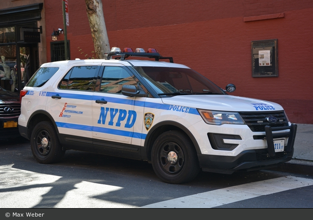 NYPD - Manhattan - 06th Precinct - FuStW 3711