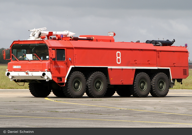 Nordholz - Feuerwehr - FlKfz 8000 (a.D.)