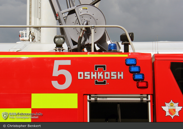 Manchester Airport - Fire Service - FLF 75/113-15-250 - ARFF