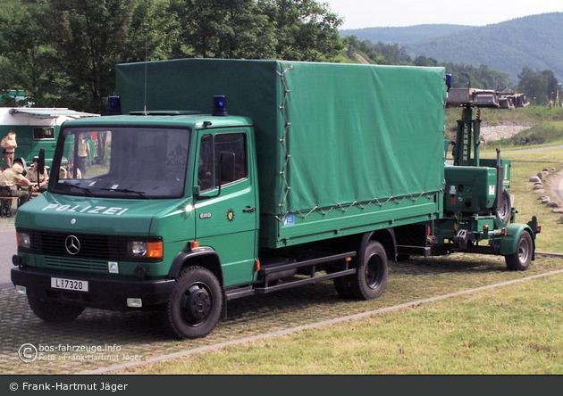 Einsatzfahrzeug: L-7320 - MB 611 D - LKW - BOS-Fahrzeuge ...