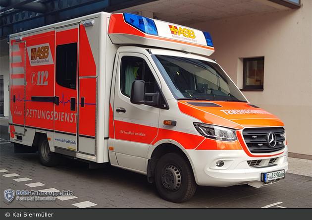 Sama Frankfurt -  RTW (F-AS 9066)