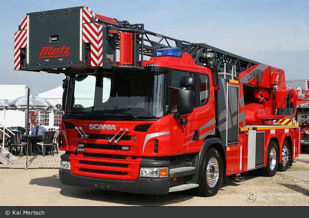Scania P 360 - Metz Aerials - L32 A