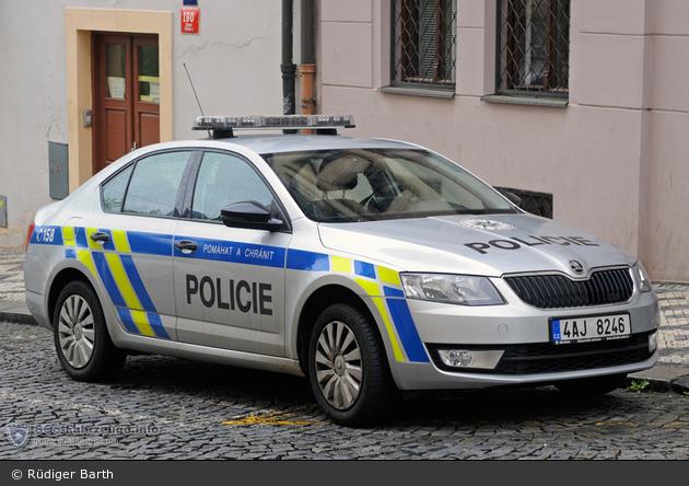 Praha - Policie - 4AJ 8246 - FuStW