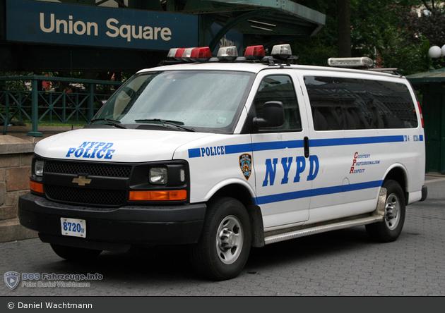NYPD - Manhattan - Transit District 4 - HGruKW 8720
