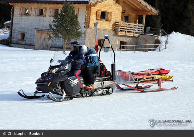 Alpe di Siusi - Arma dei Carabinieri - Motorrettungsschlitten