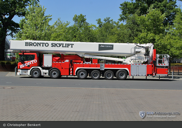 Scania P 440 - Bronto Skylift - TM 104 (F104HLA)
