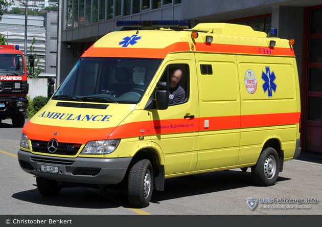 einsatzfahrzeug biel bienne ambulanz region biel rtw cephalo 02 bos fahrzeuge. Black Bedroom Furniture Sets. Home Design Ideas