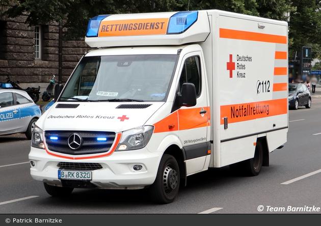 Rotkreuz Berlin RTW 3690