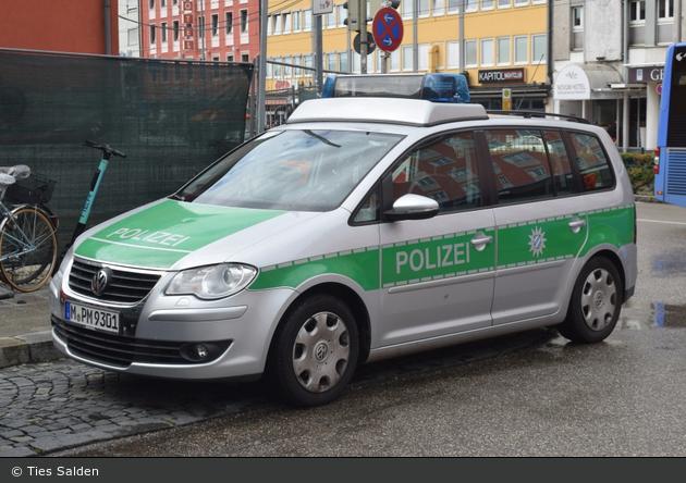 M-PM 9301 - VW Touran - FuStW