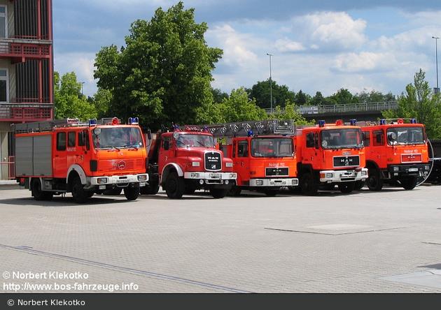 BY - Feuerwehr Nürnberg - Reserve und Ausbildungsfahrzeuge
