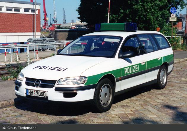 HH-7050 - Opel Omega Caravan - FuStW (a.D.)