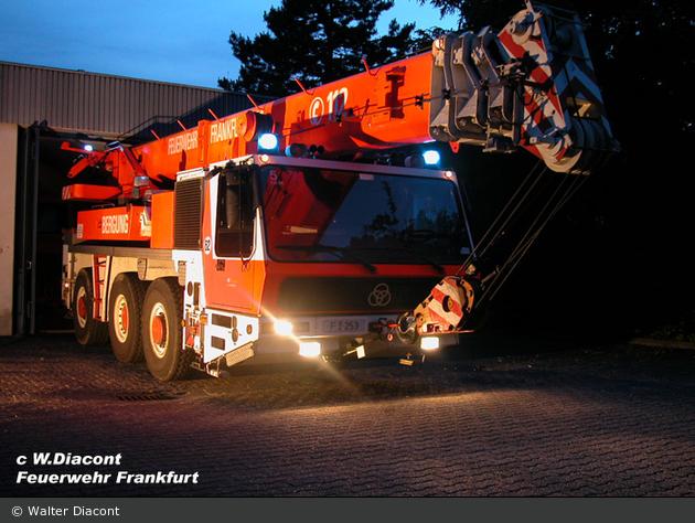 Florian Frankfurt 03/53 bei Nacht
