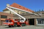 Praha - HZS - FW 11 - Gelenkmast - Arbeitsstellung