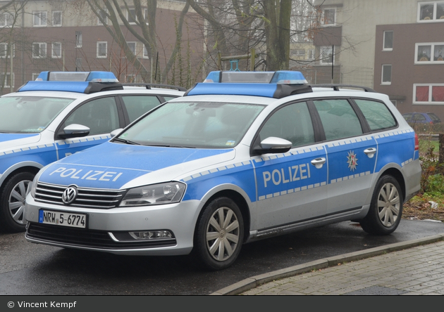 NRW5-6774 - VW Passat B7 Variant - FuStW