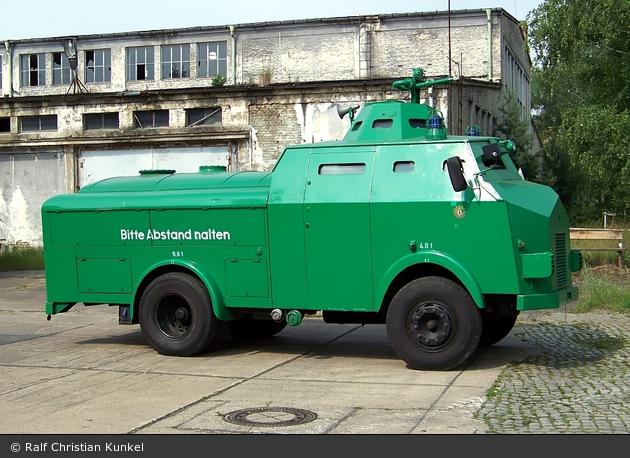 BePo - MB - Sonderfahrzeug Wasserwerfer 64 (a.D.)