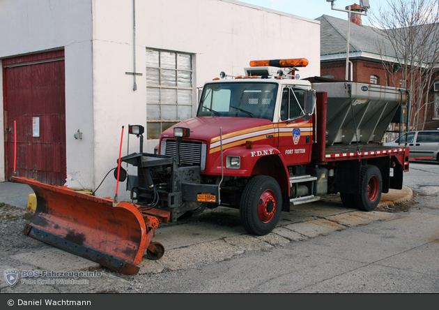 FDNY - Queens - Fort Totten Operations - Streuwagen