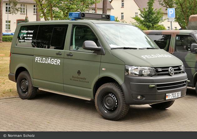 Einsatzfahrzeug Burg Feldj 228 Ger Fustw Bos Fahrzeuge