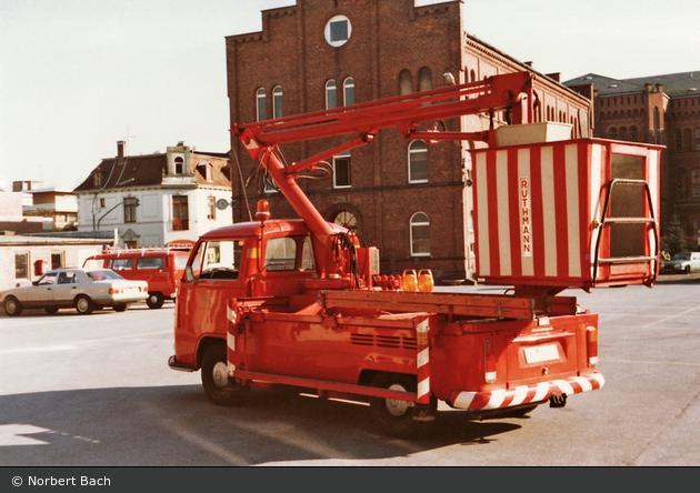 Florian Oldenburg einsatzfahrzeug florian oldenburg 11 xx a d bos fahrzeuge