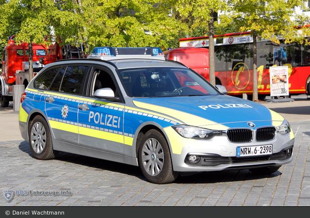 NRW6-2398 - BMW 318d Touring - FuStW
