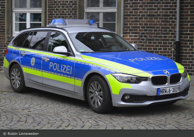 NRW6-1019 - BMW 318d touring - FuStW
