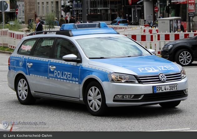 RPL4-3891 - VW Passat - FuStW