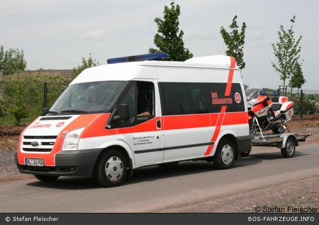 Akkon Lübeck 83/19-01 (alt/a.D.) mit Motorradanhänger