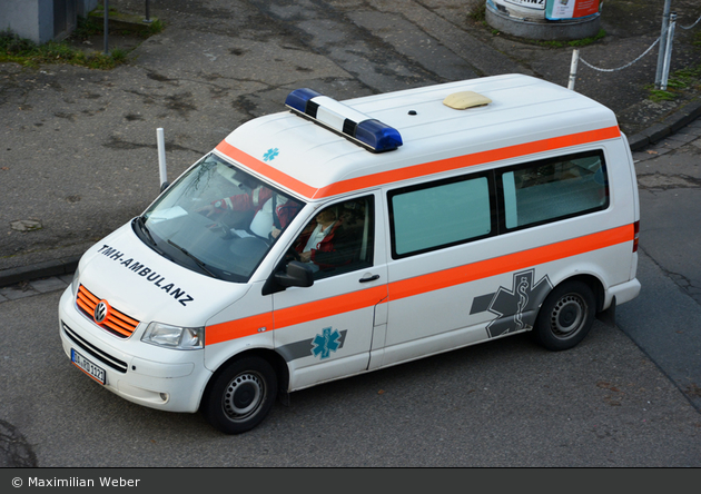 Rettung Darmstadt - KTW (DA-RD 1121)