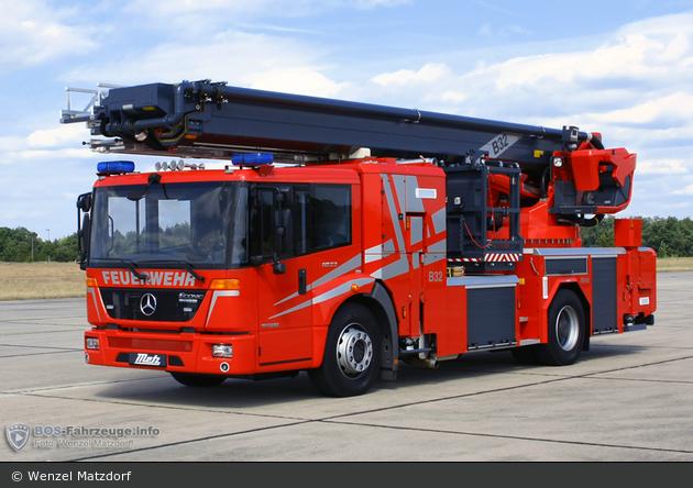 Mercedes-Benz Econic 1833 LL - Metz - B32