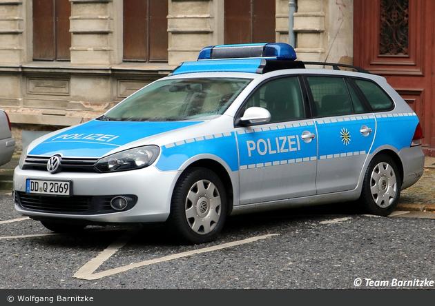 DD-Q 2069 - VW Golf Variant - FuStW