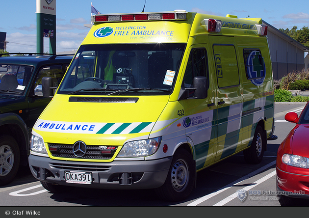 Carterton - Wellington Free Ambulance - RTW - 432 (a.D.)