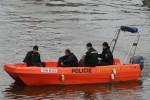 Praha - Policie - 105 882 - Streifenboot