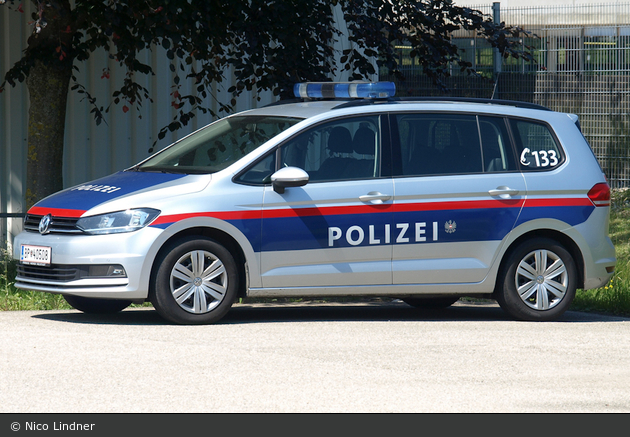 BP-40508 - VW Touran II - FuStW